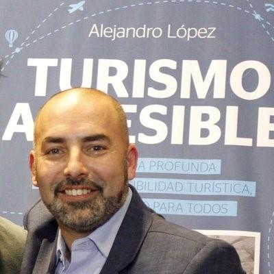 Licenciado Alejandro Lopéz